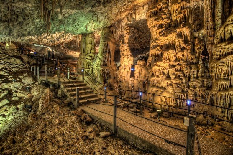 مغارة سوريك بفلسطين avshalom-cave-3[3%